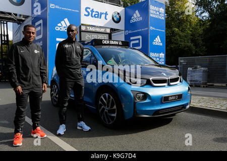 Berlin, Germany. 22nd Sep, 2017. Kenenisa Bekele from Ethiopia and Eliud Kipchoge from Kenya pose for the cameras - Stock Photo