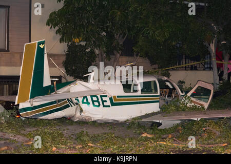 Glendale California, USA. 22nd Sep, 2017. A small plane crash on a city street in Glendale California after developing - Stock Photo
