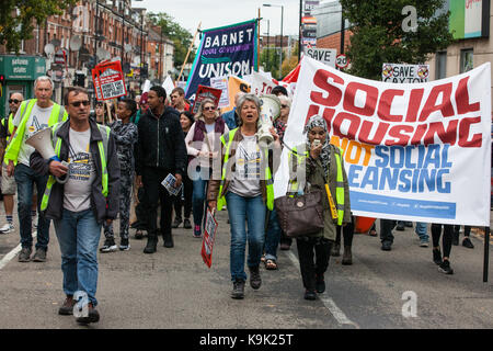 London, UK. 23rd Sep, 2017. Campaigners for improved social housing provision march from Seven Sisters to Finsbury - Stock Photo