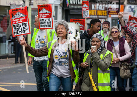 London, UK. 23rd Sep, 2017. Jenny Sutton (l) of Stop HDV marches with campaigners for improved social housing provision - Stock Photo