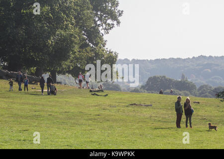 London, UK. 24th Sep, 2017. People enjoy walking in Richmond bathed in morning sunshine as warmer temperatures are - Stock Photo