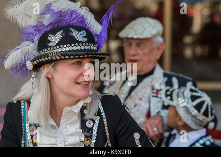 London, UK. 24th September, 2017. The annual Harvest Festival organised by the Pearly Society starts with a ceremony - Stock Photo