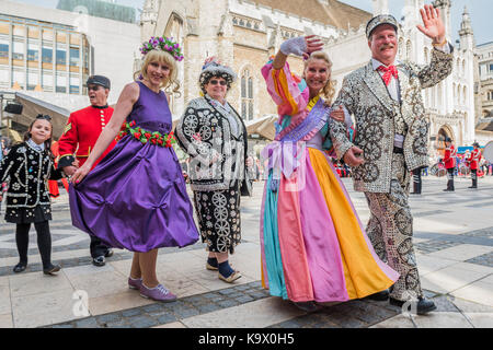 London, UK. 24th September, 2017. Miss Maypole and Miss spring parade with the Kings and queens - The annual Harvest - Stock Photo