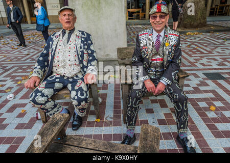 London, UK. 24th September, 2017. Resting after the march to St Mary Le Bow church - The annual Harvest Festival - Stock Photo