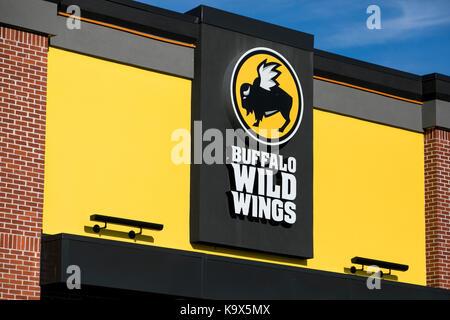 Buffalo Wild Wings Restaurant Stock Photo 72233026 Alamy