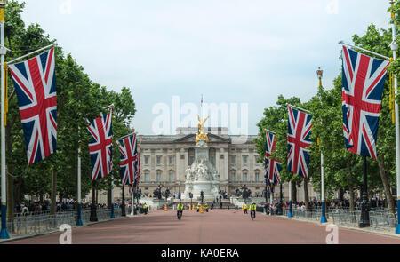 Buckingham Palace and The Mall, flagged street, Southwark, London, London region, England, United Kingdom - Stock Photo