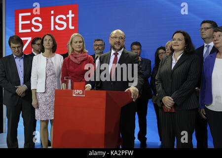 Berlin, Germany. 24th September 2017. Martin Schulz addresses the party members.He is surrounded from left to right - Stock Photo