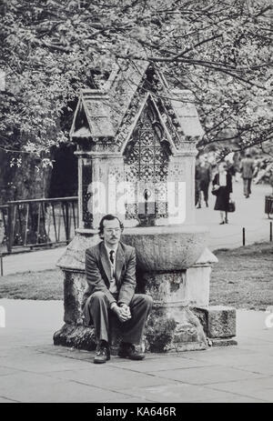 A young Michael Fish in Lincoln Inn Fields in 1982 listening to a street preacher - Stock Photo