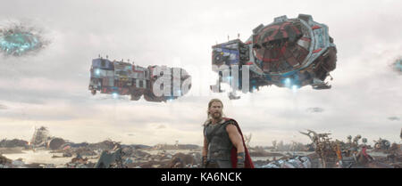 THOR: RAGNAROK (2017)  CHRIS HEMSWORTH  TAIKAK WAITITI (DIR)  MARVEL STUDIOS/DISNEY/MOVIESTORE COLLECTION LTD - Stock Photo