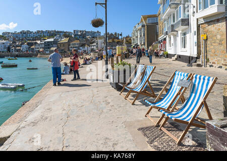 St Ives - the quayside of the old harbour in St Ives Cornwall. - Stock Photo