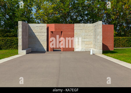 """Álvaro-Siza work The promenade with """"open rooms"""" at the Vitra Campus, Weil am Rhein, Germany. - Stock Photo"""