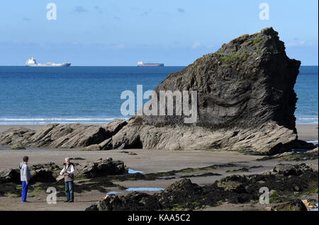 Broad Haven beach in Pembrokeshire in West Wales. - Stock Photo