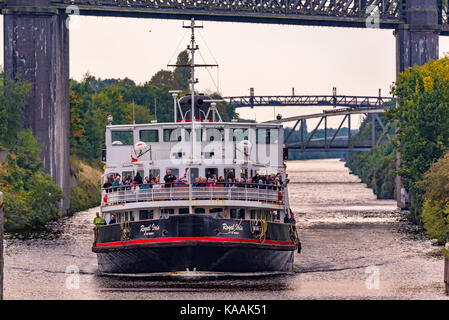 Mersey Ferry The Royal Iris at Latchford locks on the Manchester Ship Canal cruise. - Stock Photo