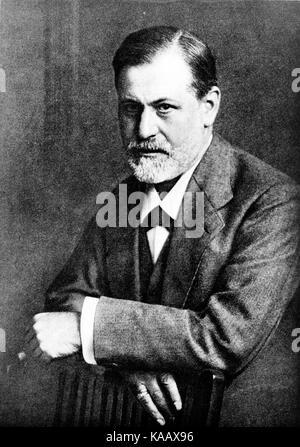 Sigmund Freud by Max Halberstadt 1909 cph.3c33801 - Stock Photo