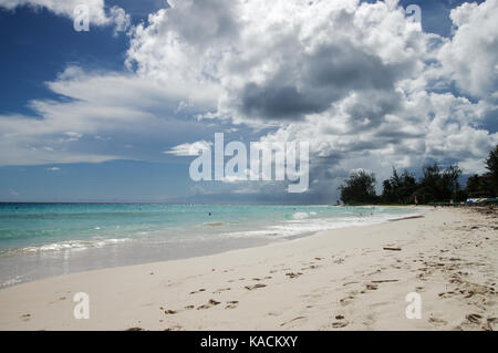 Accra Beach (also known as Rockley Beach), one of the liveliest and most beautiful beaches in Barbados - Stock Photo