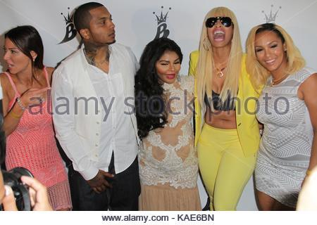 Lil Kim, Mr Papers, Tiffany Fox, Kimbella And Drita Davanzo. Lil Kim
