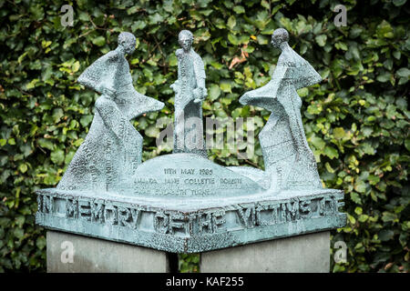 Memorial to victims of Bradford Fire Disaster Millennium ...