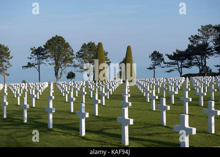 Colleville-sur-Mer (Normandy, north-western France): crosses of the American World War II Cemetery overhanging Omaha - Stock Photo