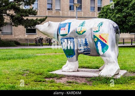 Berlin, Wittenau,Berlin Bear, Emblem of Berlin outside New Town hall extension to Reinickendorf Rathaus - Stock Photo