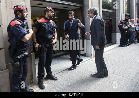 Mayor of La Seu d'Urgell, Albert Batalla (2R), arrives to the office of the public prosecutor at the Catalan High - Stock Photo