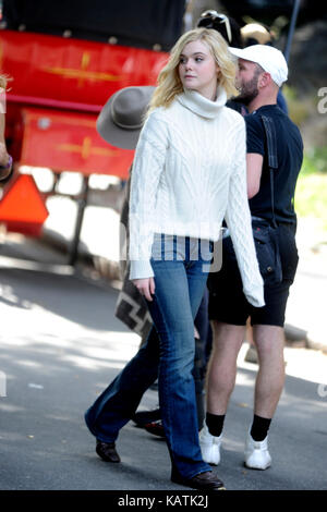 New York, USA. 26th Sep, 2017. Elle Fanning on the filmset of 'Untitled Woody Allen Project' at Central Park on - Stock Photo