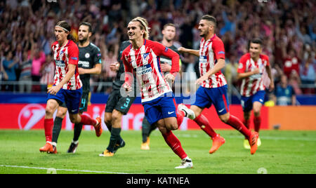Madrid, Spain. 27th Sep, 2017. Antoine Griezmann (Forward, Atletico Madrid) celebrates his first goal during the - Stock Photo