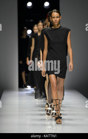 Paris, France. 27th Sep, 2017. Models present creations of Lanvin during the fashion week for 2018 spring/summer - Stock Photo