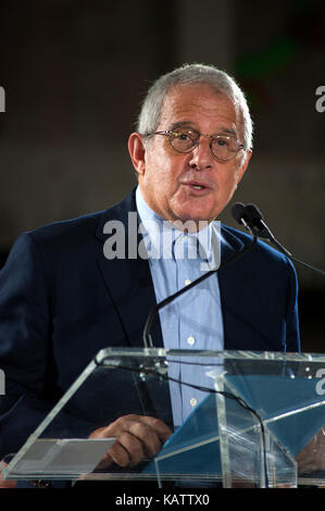 Los Angeles, USA. 27th Sep, 2017. Ron Meyer speaking at press conference for The Academy Museum of Motion Pictures - Stock Photo