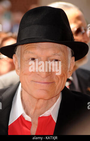 File: 27th Sep, 2017. Photo taken:  Toronto, Canada. 12th Sep, 2009. Publisher Hugh Hefner (C) arrives with Playboy - Stock Photo