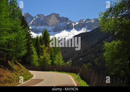 Italy, South Tirol, Villnösstal (Val di Funes), St. Magdalena, Ranui, mountain road, the Dolomites, - Stock Photo