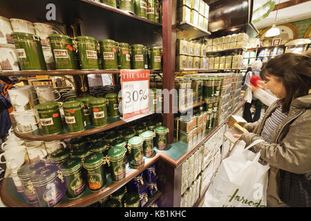 England, London, Knightsbridge, Harrods, sales of tea, - Stock Photo