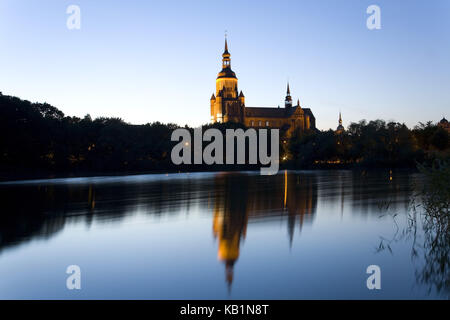 View over the franc pond to the Church of St. Mary in the Old Town of the Hanseatic town Stralsund, Mecklenburg - Stock Photo