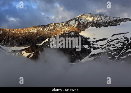 Austria, Carinthia, High Tauern (Hohe Tauern), High Tauern National Park, Grossglockner Hochalpenstrasse, stack - Stock Photo
