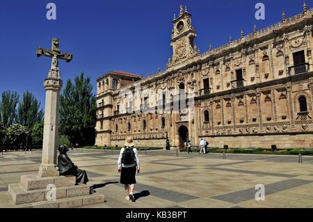 Spain, Kastilien-Leon, Plaza de San Marcos in Leon, - Stock Photo