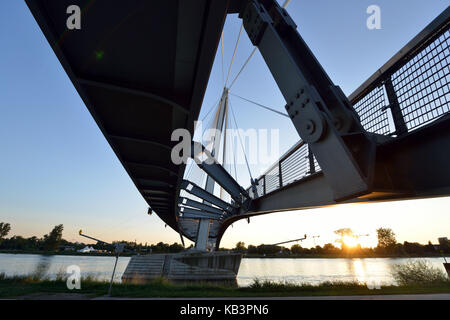 France, Bas Rhin, between Strasbourg and Kehl in Germany, the garden of Two Rivers, the Rhine, the Mimram bridge - Stock Photo