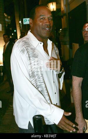 MIAMI BEACH - FL - JUNE 20, 2007: (EXCLUSIVE COVERAGE) O.J Simpson at the Forge Restaurant, for Miami Heat DJ Irie's - Stock Photo