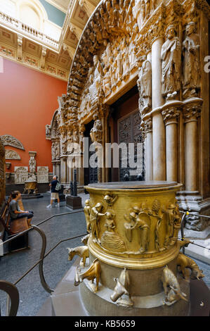 United Kingdom, London, South Kensington, Victoria and Albert Museum (V&A Museum) founded in 1852, 46A gallery, - Stock Photo