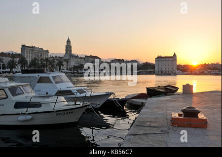 Croatia, Dalmatian coast, Split, old Roman city listed as World Heritage by UNESCO and Riva (or seaside promenade) - Stock Photo