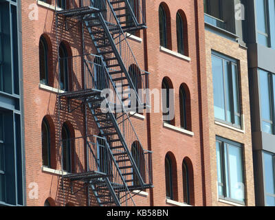 Renovated lofts in TRIBECA, aka Triangle Bellow Canal, is one of the most sought after and expensive residential - Stock Photo