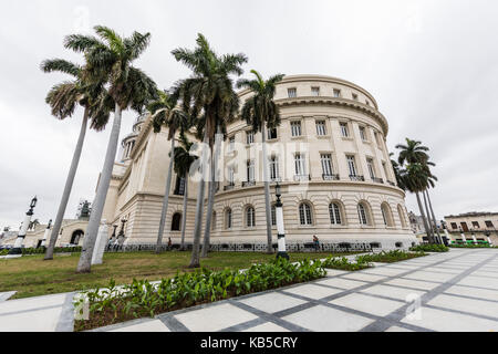 The Cuban Capitol building, El Capitolio, downtown Havana, Cuba, West Indies, Central America - Stock Photo