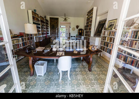 The library at Finca Vigia (Finca La Vigia), the home of Ernest Hemingway in San Francisco de Paula Ward in Havana, - Stock Photo