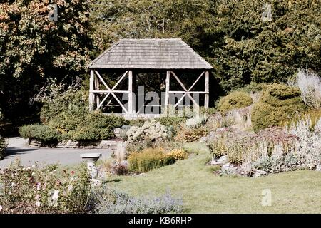 Large wooden bower house in publick park. Richmond, London. - Stock Photo