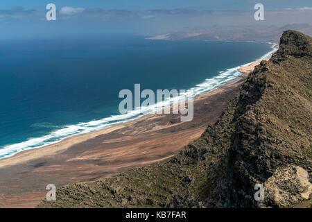 Blick vom Berg Pico de la Zarza auf die Strände von Cofete und Barlovento, Insel Fuerteventura, Kanarische Inseln, - Stock Photo