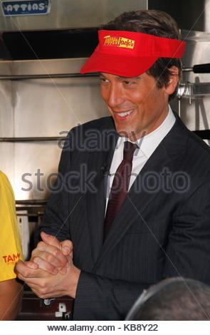 David muir abc news anchor david muir pitches in at food for American cuisine movie online