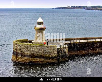 South Shields Port of Tyne south pier lighthouse - Stock Photo