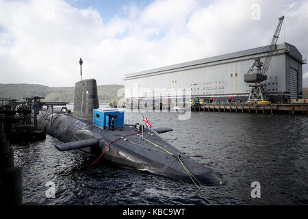 A general view of the Vanguard-class nuclear deterrent submarine HMS Vengeance at HM Naval Base Clyde, Faslane. - Stock Photo