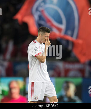 Paris, Frankreich. 27th Sep, 2017. Robert LEWANDOWSKI (M) disappointed, Fussball Champions League, Vorrunde 2. Spieltag, - Stock Photo