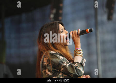 London, UK. 30th September, 2017. Tasha Tah UK's more popular British Asian female star singing live in the stage - Stock Photo