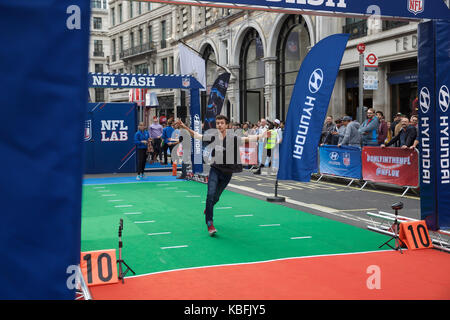 London, UK. 30th Sep, 2017. NFL on Regent Street in London. On the eve of the Wembley contest between the New Orleans - Stock Photo