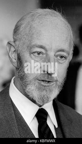 Sir Alec Guinness English actor 1914-2000 exclusive image by David Cole taken 1969 - Press Portrait Service archives.From - Stock Photo